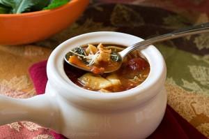 Chicken-Kale-Tortellini-Soup-from-ItsYummi