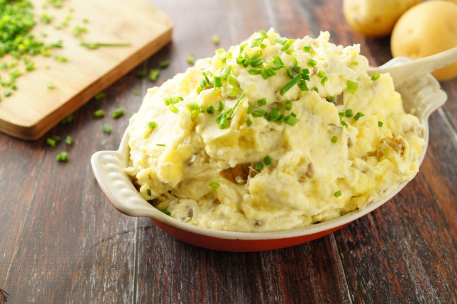 sour cream and onion mashed potatoes with chives