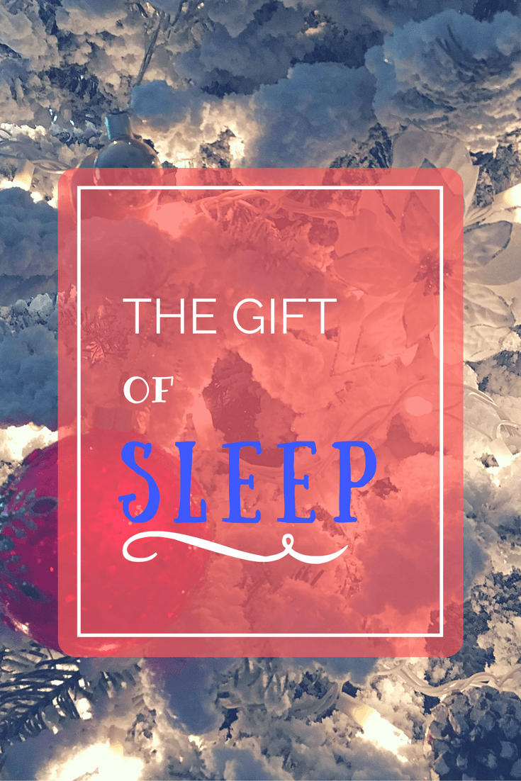 This year give the gift of sleep to everyone around you. This gift guide has 10 options to help your loved ones, fall asleep in comfort!