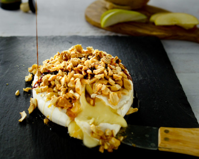 Baked brie with cashews and drizzle of balsamic. What to serve with baked brie